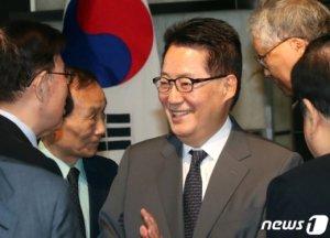 낙선→교수→국정원장… 박지원 파격 인사 배경은?