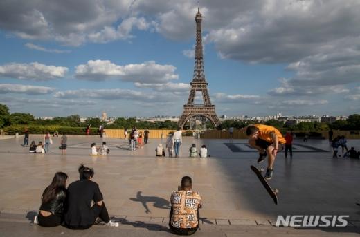 신종 코로나바이러스 감염증(코로나19)으로 봉쇄를 하기 전과 같이 한국인은 비자 없이도 프랑스에 입국할 수 있다. /사진=뉴시스