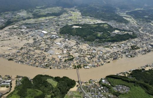 일본 남부 규슈 구마모토현에 내린 기록적인 폭우로 인명피해가 증가하고 있다. /사진=로이터