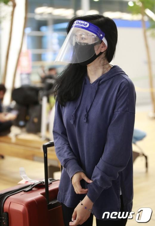 배우 서정희의 딸이자 미국 변호사 겸 방송인 서동주가 신종 코로나바이러스 감염증(코로나19)으로 완전무장한 채 입국했다. /사진=뉴스1