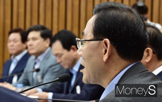 [머니S포토] 통합당 주호영, 검찰·법무부 대립 관련 발언