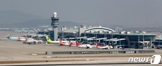 인천공항에 대기중인 항공기.©뉴스1