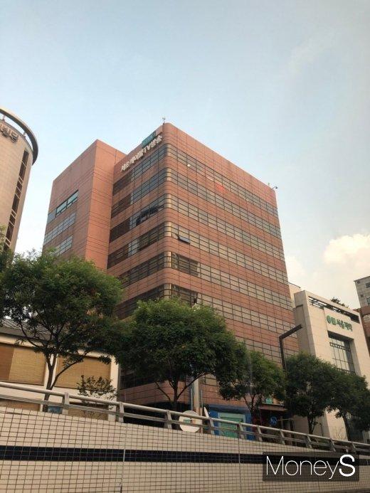 14일 업계에 따르면 현대HCN의 매각주관사 크레디트스위스는 오는 24일 우선협상대상자를 선정해 발표할 계획이다. 서울 서초구에 위치한 현대HCN 사옥. /사진=박흥순 기자