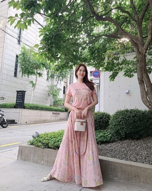 안정환 아내 이혜원이 하이힐을 신고 완벽한 각선미를 자랑했다. /사진=이혜원 인스타그램
