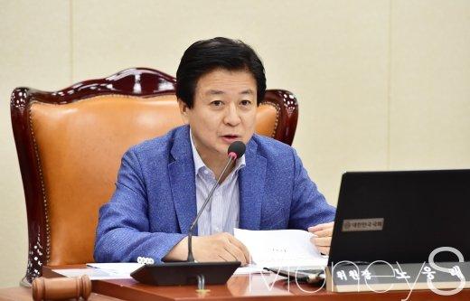 노웅래 더불어민주당 의원은 20일 자신의 소셜네트워크서비스(SNS)를 통해 8·29 전당대회 최고위원 경선에 출마하겠다는 입장을 밝혔다. /사진=임한별 기자