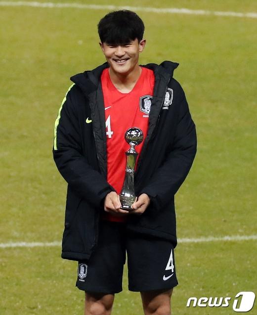 토트넘 홋스퍼가 한국축구 국가대표 수비수 김민재 영입에 대한 자신감을 드러냈다. /사진=뉴스1