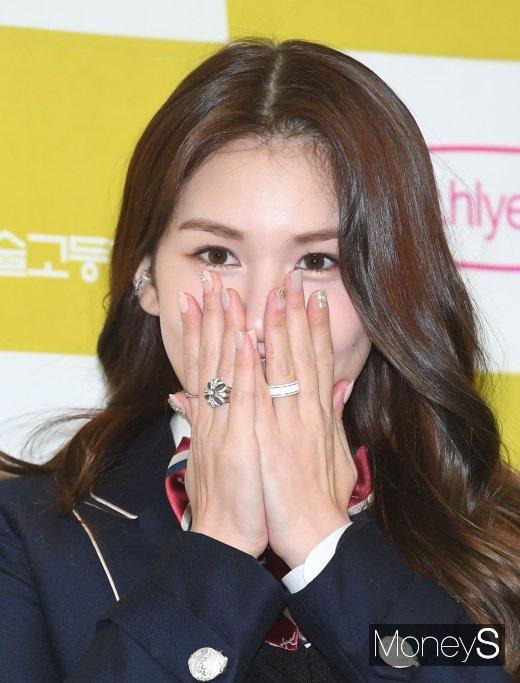 가수 전소미가 세계적인 뮤직 레이블 인터스코프 레코드와 계약을 맺었다. /사진=장동규 기자
