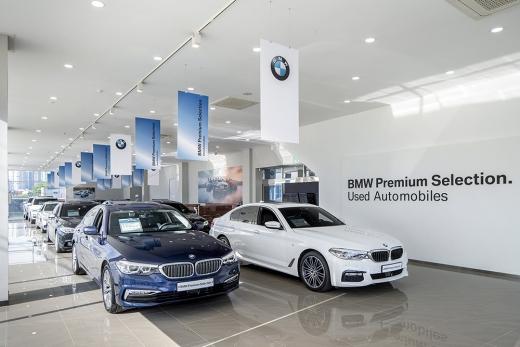 완성차업체는 수입차업체의 인증중고차를 눈 여겨 본다. 사진은 BMW 부산 BPS 전시장 /사진제공=BMW