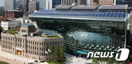 [속보] 서울시청 확진자 발생… 1개 층 폐쇄
