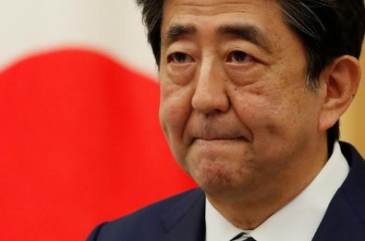 일본 현지에서 아베 신조 총리의 건강이상설이 확산되자 정부가 즉각 부인하고 나섰다./사진=로이터
