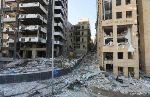 레바논 베이루트에서 발생한 대폭발의 원인으로 질산암모늄이 지목되면서 이 물질에 대한 관심이 높아지고 있다. /사진=로이터