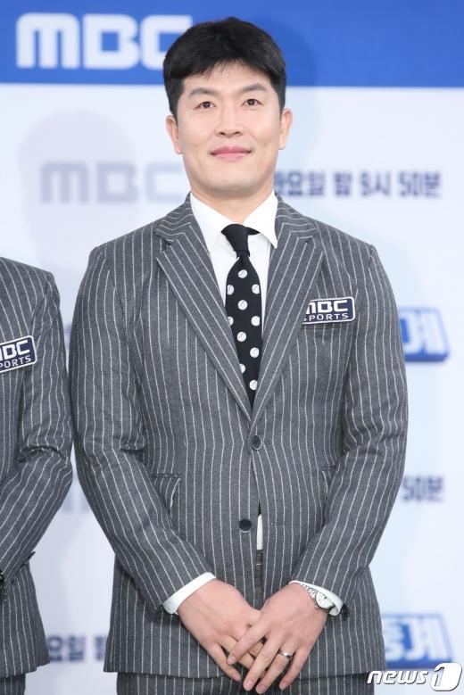 은퇴 이후 예능 방송에서 활약하고 있는 김병현이 야구 모바일게임 '마구마구2020 모바일' 광고 모델로 발탁됐다. 사진은 최근 종영한 MBC 예능 '편애중계' 제작발표회에 참석한 김병현. /사진=뉴스1