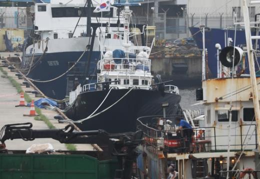 코로나19 확진자가 발생한 한국 국적 선박 '영진607'호가 지난 6일 부산 감천항에 정박해 있다. /사진=뉴스1