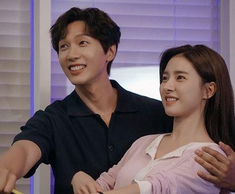 지현우, 김소은의 '연애는 귀찮지만 외로운 건 싫어'가 베일을 벗었다. /사진=MBC에브리원 제공