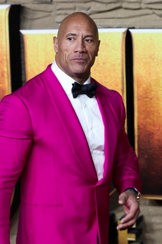 12일 미국 경제지 포브스에 따르면 세계에서 돈을 가장 많이 번 남자 배우 1위에 할리우드 배우 드웨인 존슨이 올랐다. /사진=로이터