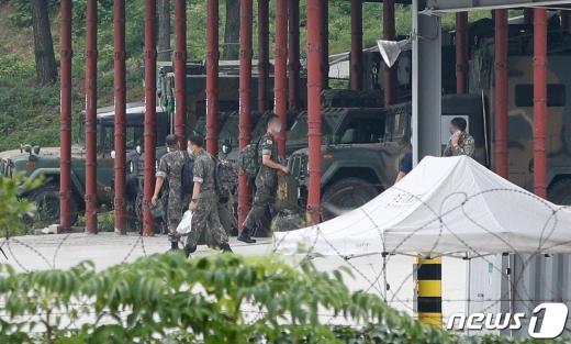 국방부 관계자는 18일 기자간담회를 통해 2주 동안 전 부대 장병에 대한 휴가를 중단한다고 전했다. /사진=뉴스1