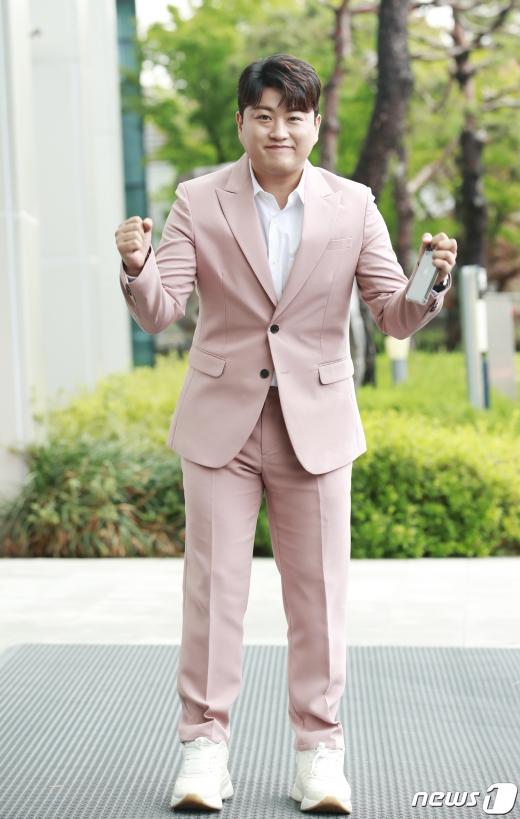 트로트 가수 김호중이 자신을 둘러싼 도박의혹을 인정했다. /사진=뉴스1