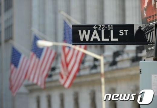 2020년 2분기 미국의 경제성장률이 -31.7%로 상향조정됐다./사진=뉴스1