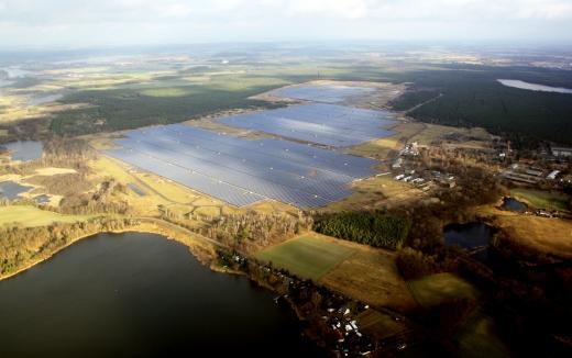 한화큐셀이 건설한 독일 브란덴부르크 위치한 태양광 발전소 전경 / 사진=한화큐셀