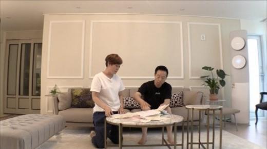 개그계 2호 부부 임미숙과 김학래 부부의 일상이 공개된다./사진=JTBC 제공