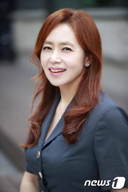 김선경이 이지훈과 '우리 다시 사랑할 수 있을까3'에 가상 커플로 출연해 반응이 뜨겁다. /사진=뉴스1