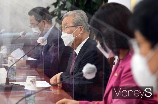[머니S포토] 국민의 힘 비대위, 발언하는 '김종인'