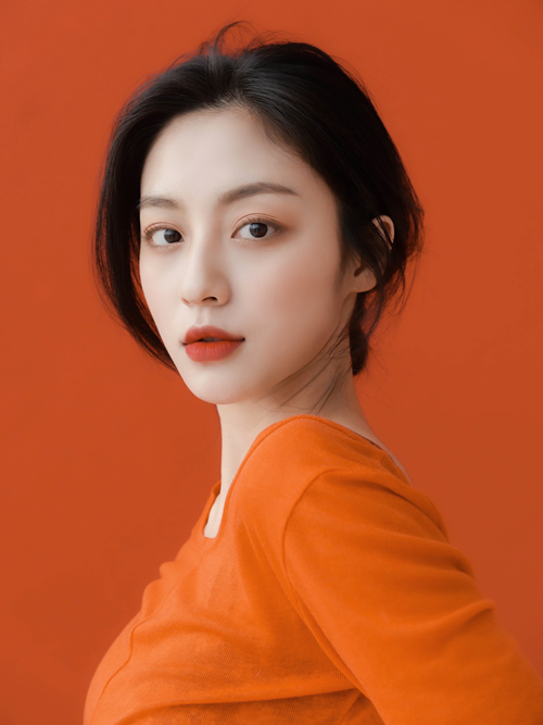배우 강민아가 H&엔터테인먼트와 전속 계약을 체결했다. /사진=H&엔터테인먼트 제공