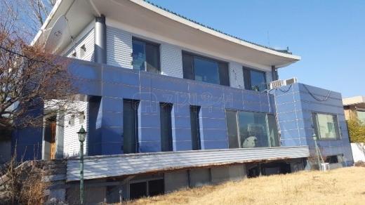 감정가 156억원의 서울 용산 단독주택이 경매에 나왔다. /사진=지지옥션