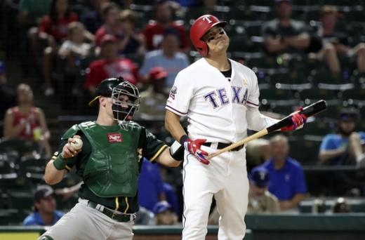텍사스 레인저스 외야수 추신수가 지난해 9월13일 미국 텍사스 글로브 라이프 파크에서 열린 2019 메이저리그 오클랜드 애슬레틱스와의 경기에서 삼진을 당한 뒤 아쉬운 표정을 짓고 있다. /사진=로이터