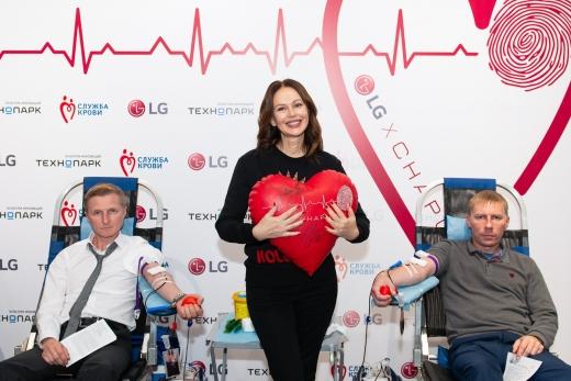 LG전자가 러시아 모스크바에서 현지 가전제품 유통업체인 '테크노파크'와 함께 헌혈캠페인을 진행했다. / 사진=LG전자