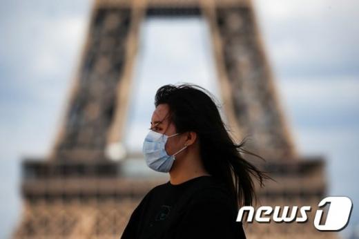 프랑스 보건부는 3일(현지시간) 코로나19 일일 확진자가 1만6972명을 기록했다고 밝혔다. 전일보다 5000명 급증한 사상 최고치다./사진=뉴스1-로이터