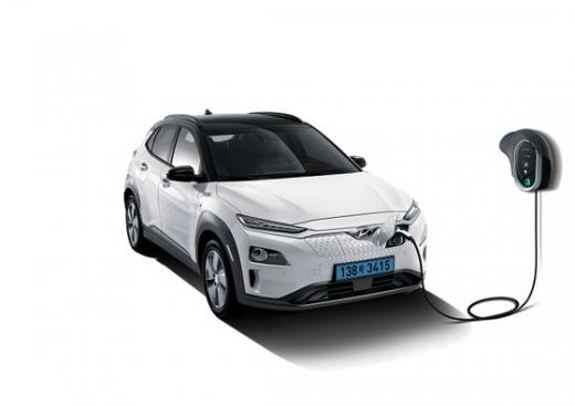 현대자동차의 대표 전기차 모델인 '코나 EV에서 잇단 화재가 발생하면서 소비자들의 전기차 공포증이 커지고 있다. /사진제공=현대자동차