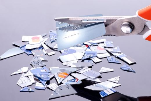 올 상반기 카드론 이용자는 260만3541명으로 이중 대출기관 수가 3건 이상인 이용자는 146만27명으로 집계됐다./사진=이미지투데이
