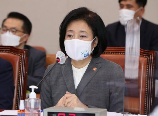 박영선 중소벤처기업부 장관이 정의선 현대차그룹 회장과 만나겠다고 밝혔다. /사진=사진공동취재단