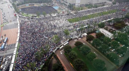 지난 8월15일 서울 광화문광장에서 일부 보수단체와 기독교단체 회원들이 대규모 집회를 갖고 있다. /사진=뉴스1