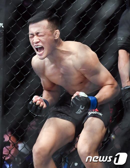 """정찬성이 오르테가와의 UFC경기에서 패한 후 """"부끄럽다""""는 경기 소감을 밝혔다./사진=뉴스1DB"""
