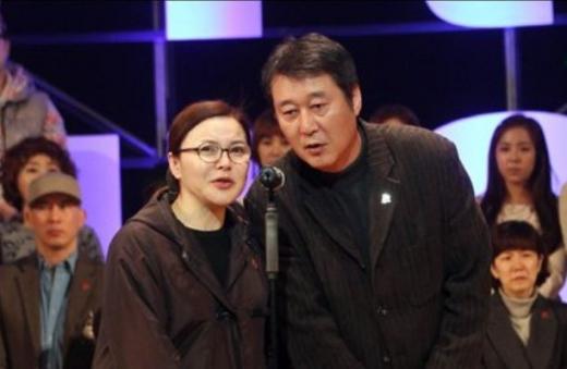 가수 홍춘이로 돌아온 배우 최란이 남편 이충희 전 감독의 외조를 자랑했다. /사진=스타뉴스