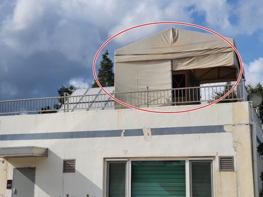 한국마사회가 경내에 불법가설 건축물을 설치해 놓고 사용 중 적발돼 물의를 빚고 있다. / 사진제공=제보자