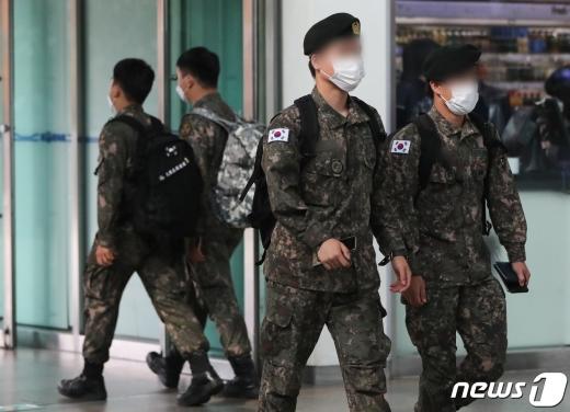 충북의 한 공군부대 병사가 휴가를 마친 뒤 부대에 복귀하지 않고 해외로 무단 출국했다. 사진과 기사는 관련 없음. /사진=뉴스1