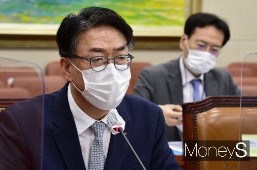 [머니S포토] 사모펀드 사태 질의 답변하는 이명호 예탁원 사장
