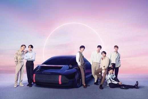 현대차가 글로벌 100대 브랜드 자동차 부문 톱5에 이름을 올리며 테슬라에 앞섰다. 사진은 Hyundai BTS: BTS x IONIQ 이미지. /사진제공=현대자동차