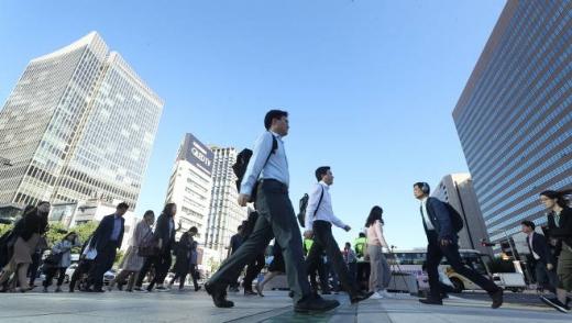 기업들은 이전 직장에서 근속연수가 짧은 지원자들을 채용하는 것을 꺼리는 것으로 나타났다. / 사진=뉴시스