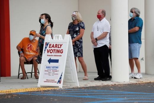 오는 11월3일 예정된 미국 대선을 12일 남긴 지난 22일(현지시간) 미 전역에서 사전투표에 참여한 유권자가 벌써 지난 2016년 대선 기록을 넘어섰다. /사진=로이터
