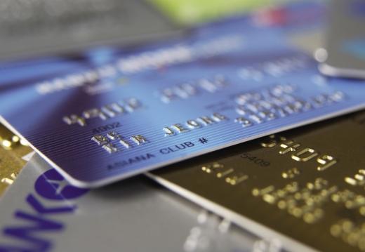 신용카드를 통한 국세 납부가 증가함에 따라 국세 신용카드 납부대행 수수료(0.8%) 또한 2009년 33억7900만원에서 2019년 879억700만원으로 급증했다./사진=이미지투데이