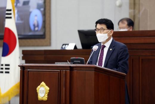 수원시의회 김기정(국민의힘, 영통2,3·망포1,2동) 의원. / 사진제공=수원시의회