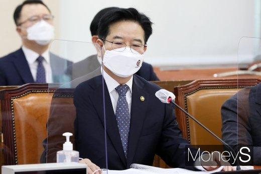 [머니S포토] 행안위 종합감사, 질의듣는 김창룡 경찰청장
