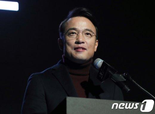 택진이형, 차기 대권주자?… 김종인과 만난다