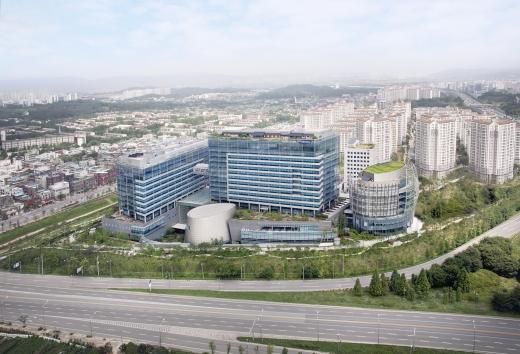 삼성물산이 친환경 경영을 통한 저탄소사회 전환에 기여하기 위해 '탈석탄'을 선언했다. 사진은 서울 강동구 상일동 삼성물산 본사. /사진=삼성물산