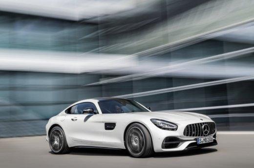 """""""도로 위의 레이싱 머신""""… 더 뉴 메르세데스-AMG GT 국내 출시"""