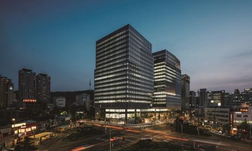 대우건설의 3분기 매출·영업이익이 전년 대비 동반 하락했다. 사진은 서울 을지로 대우건설 본사. /사진=대우건설